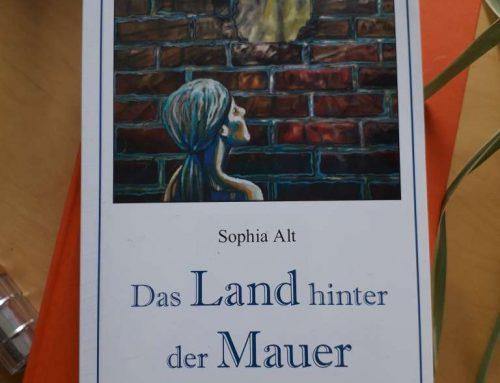 Das Land hinter der Mauer – Interview mit Sophia Alt